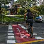 Em Curitiba prefeito aprova a Lei da Bicicleta