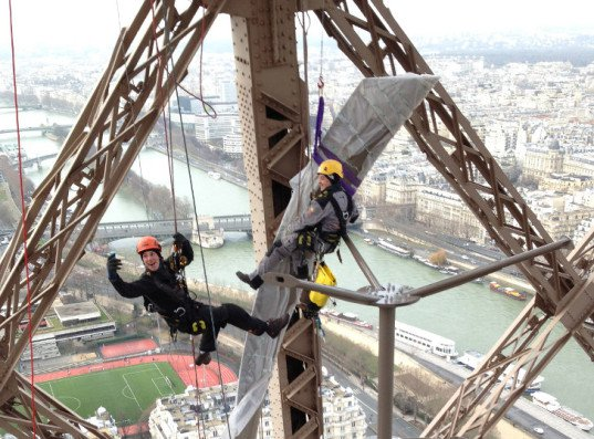 Torre Eiffel Sustentável - energia eólica