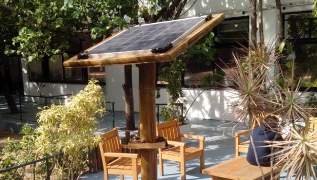 Poste Solar feito em Bambu