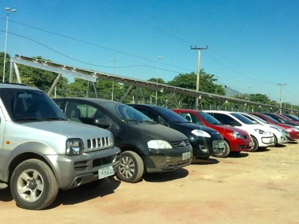 estacionamento com painéis solares UFRJ