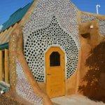 Michael Reynolds e a primeira escola 100% sustentável no Uruguai