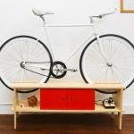 Móveis para bicicletas economizam espaços internos