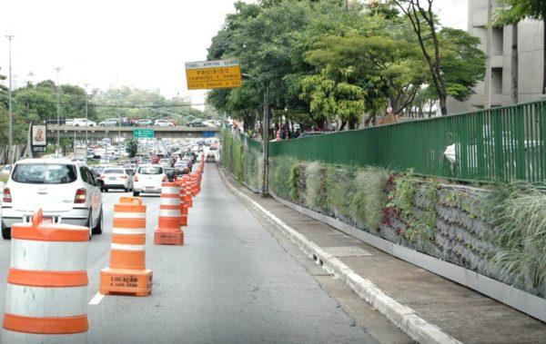 Corredor verde da Avenida 23 de Maio - São Paulo Cidade Linda