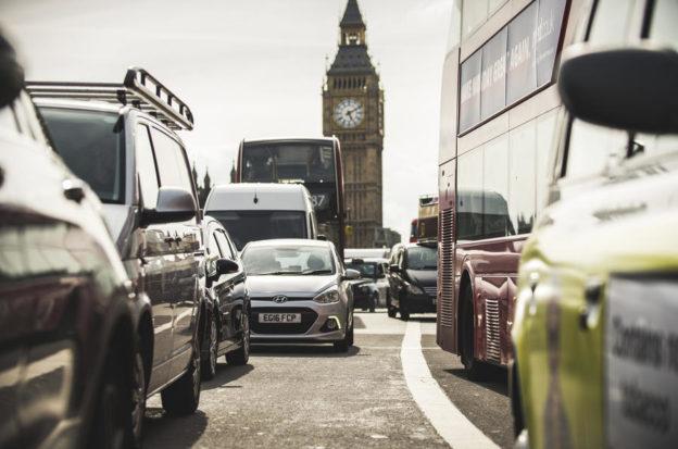 reino unido proibe a venda de carros a combustão